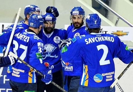 На сбор «Барыса» отправятся 33 хоккеиста