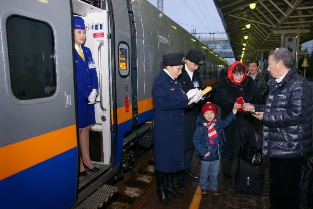 КТЖ запустил прямой поезд Астана-Душанбе