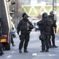 ВПариже вооруженный водитель протаранил фургон жандармерии