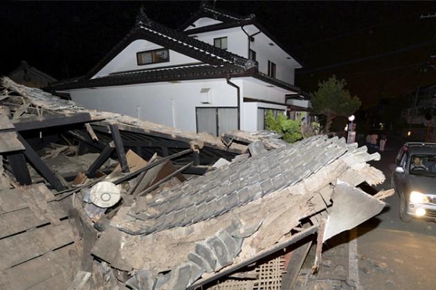 Число жертв землетрясения в Японии достигло девяти