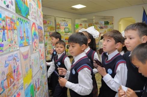 Подушевое финансирование в50школах введут ссентября