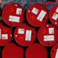 Нефть дешевеет на фоне сообщения по запасам в США