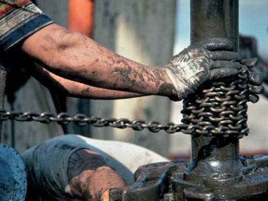 Нефтяники требуют увеличения зарплат