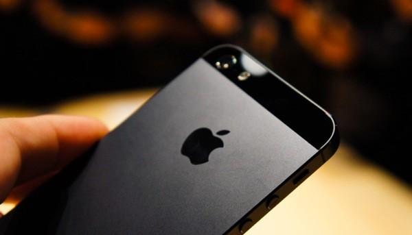 Британцы нашли еще один дефект в iPhone 5