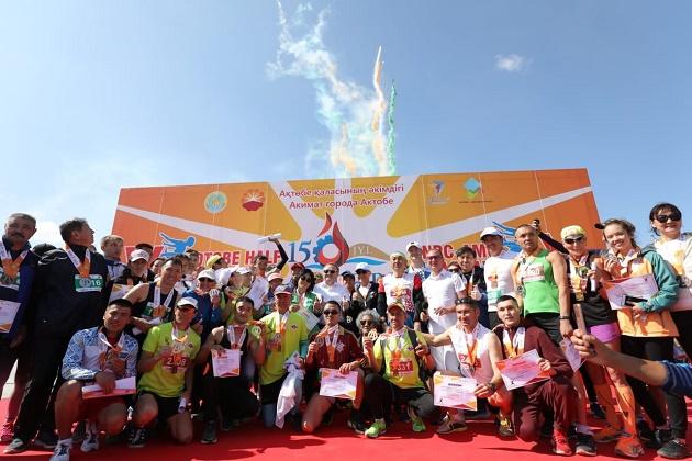 В  Актобе международный марафон собрал 2,5 млн тенге