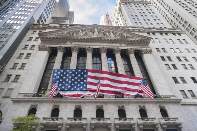 Дональд Трамп раскритиковал ФРС заповышение ставок