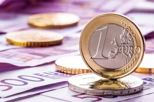 Объемы продаж евро увеличились на 39% за год