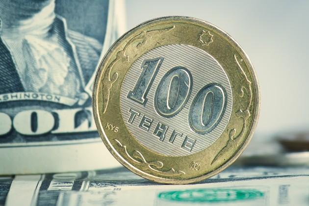 Доллар подрос до 378 тенге