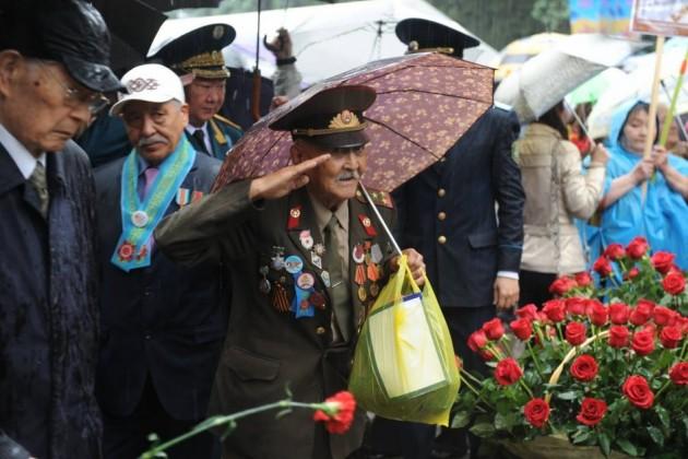 Ветераны Алматы получат ко Дню Победы по 500 тысяч тенге