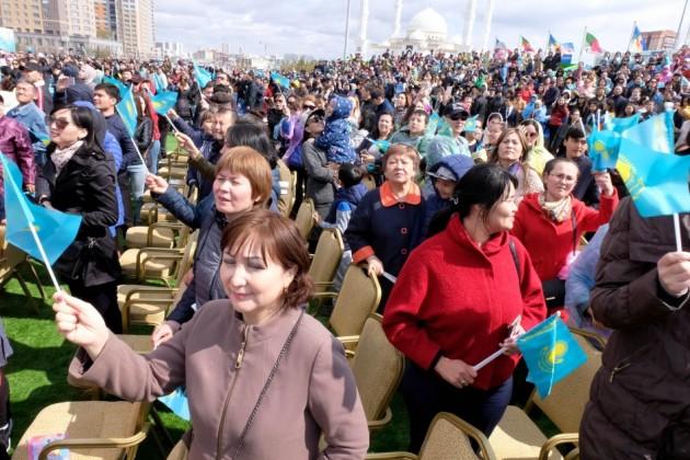 Гражданство Казахстана получат 587человек