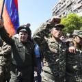 Кпротестам вЕреване присоединились военные