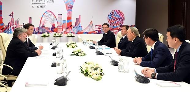 Нурсултан Назарбаев иСтив Возняк обсудили перспективы криптовалют