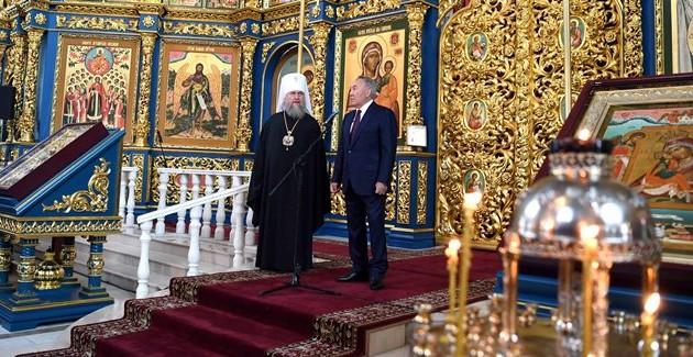 Глава государства поздравил с праздником Рождества