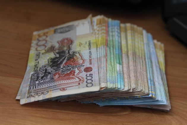 Среднемесячная зарплата в РК за год увеличилась на 11,7%