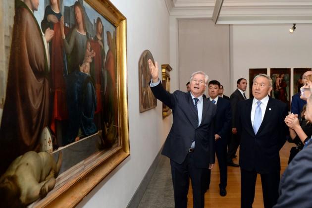 Назарбаев посетил достопримечательности Милана