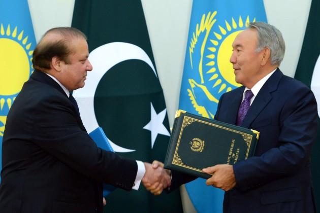 Нурсултан Назарбаев встретился с премьер-министром Пакистана