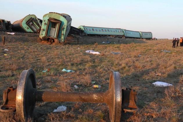 Установлена причина крушения поезда в Атырау