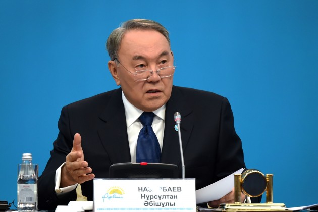 Президент РК: Нам важен в стране тенге, а не доллар