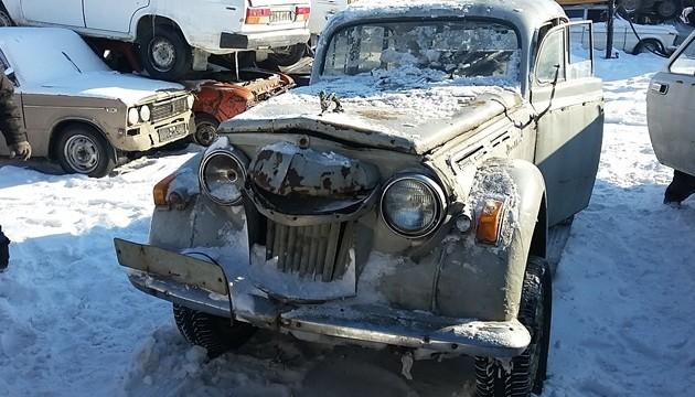 Казахстанцы сдают наутилизацию раритетные автомобили