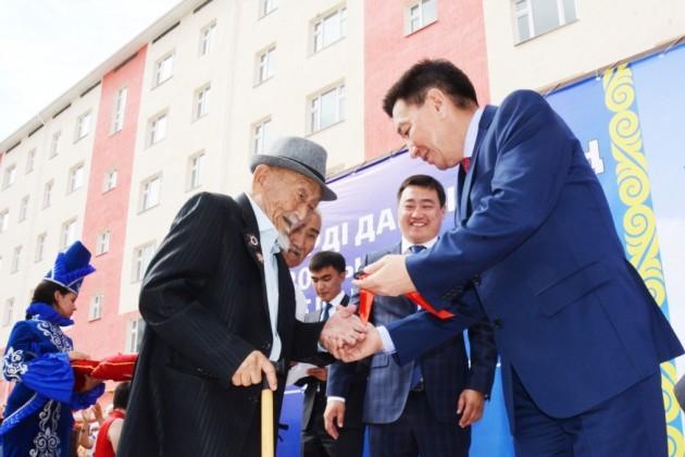 120 жителей Актау получили ключи от новых квартир
