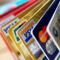 Как изасчет чего растет рынок платежных карт