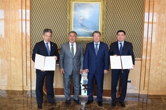 Ахметжан Есимов встретился с президентом Татарстана