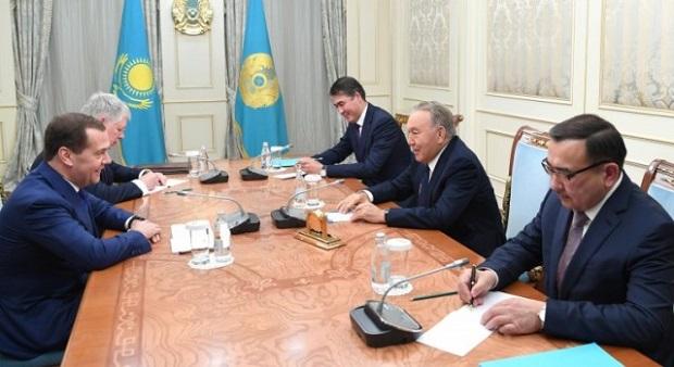 ГлаваРК поблагодарил Дмитрия Медведева завклад вразвитие партнерства