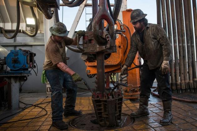 Количество нефтяных и газовых буровых установок продолжает расти