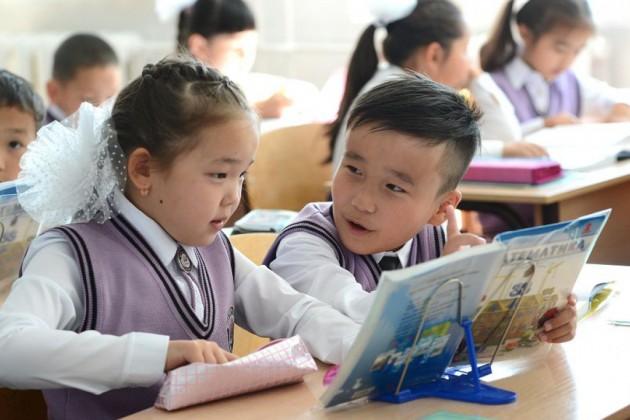 Казахстан в топе стран по охвату начальным образованием