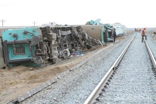 Виновные в крушении поезда  Алматы - Атырау получили по 2 года условно