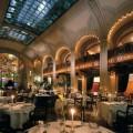 Хозяин бренда Louis Vuitton купит сеть отелей