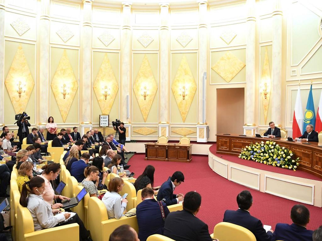Президент Польши выступил заоткрытость европейского союза иНАТО для новых стран