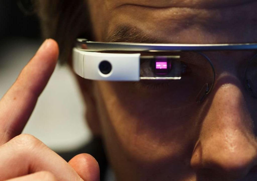 Alphabet объявил о восстановлении продаж очков Google Glass