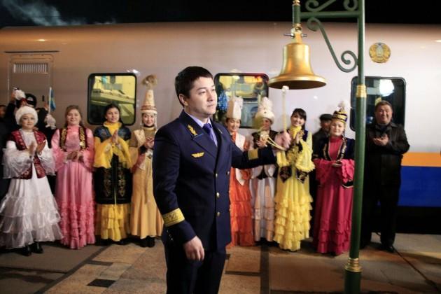 Впервый рейс отправился скоростной поезд сообщением Алматы-Ташкент