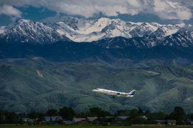 Авиакомпания SCAT снизила тарифы на социально значимые рейсы