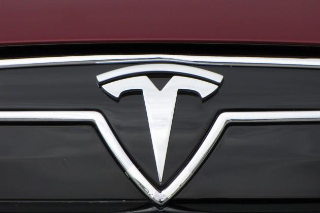 На KASE будут торговаться акции Tesla Inc.