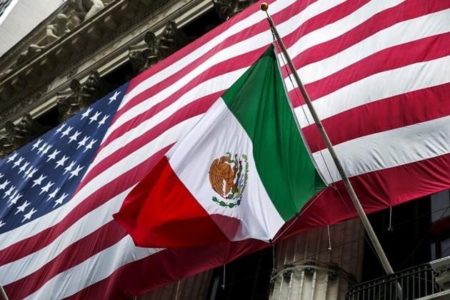 Дональд Трамп объявил о введении пошлин на товары из Мексики