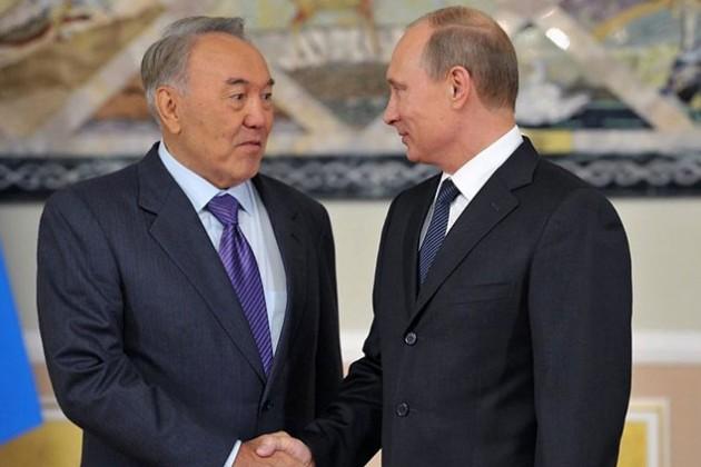 Нурсултан Назарбаев награжден орденом Александра Невского