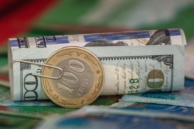 Доллар закрепился на уровне 367 тенге