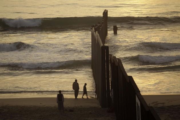 Названа стоимость строительства стены между Мексикой иСША