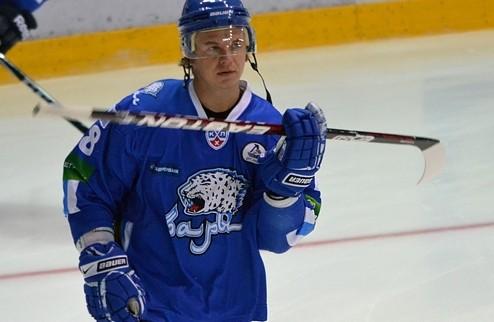 ХК «Барыс» продлил контракт со Старченко