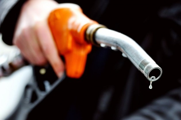 Цена набензин может вырасти до165тенге залитр