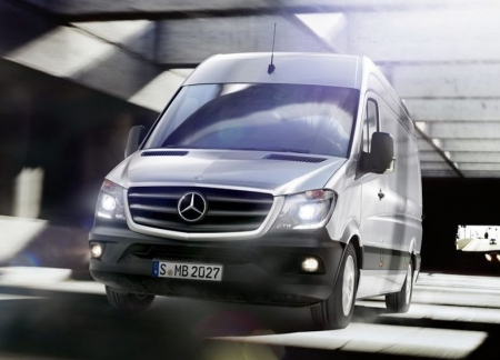 Mercedes освежил дизайн Sprinter