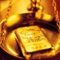 С мая золото показывает сильнейшее падение