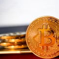 Цена Bitcoin преодолела рубеж в $8тысяч