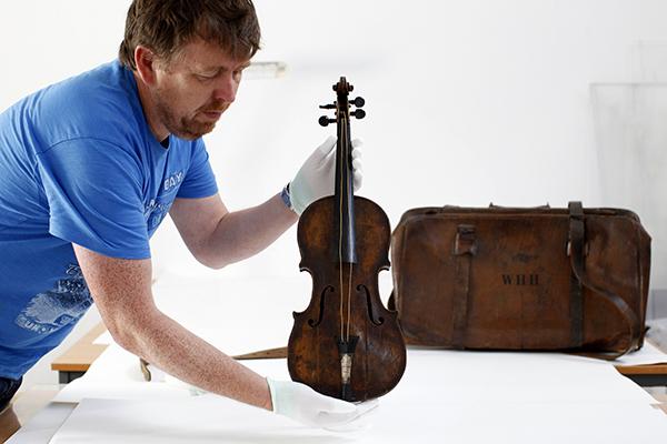 Cкрипка с Титаника продана за $ 1,5 млн