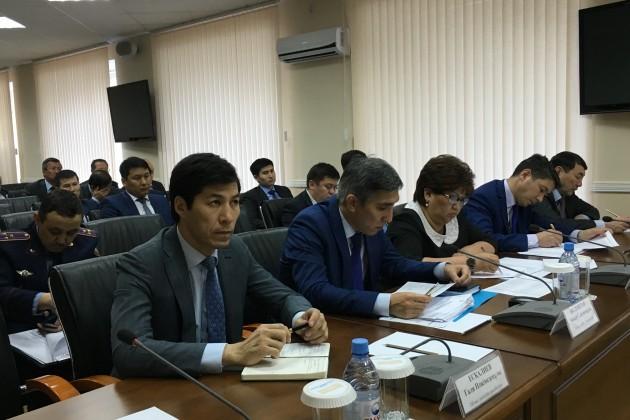 Бердибек Сапарбаев недоволен работой чиновников