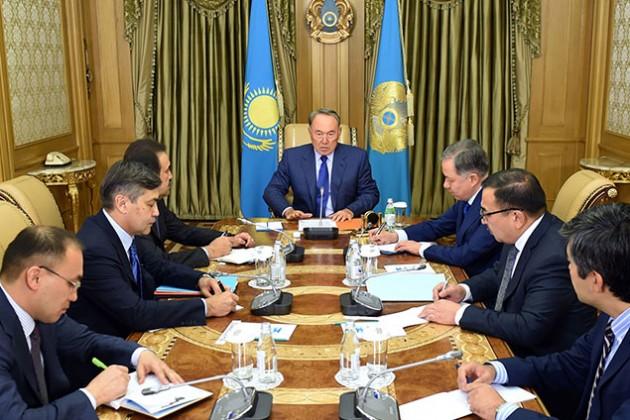Нурсултан Назарбаев провел рабочее совещание