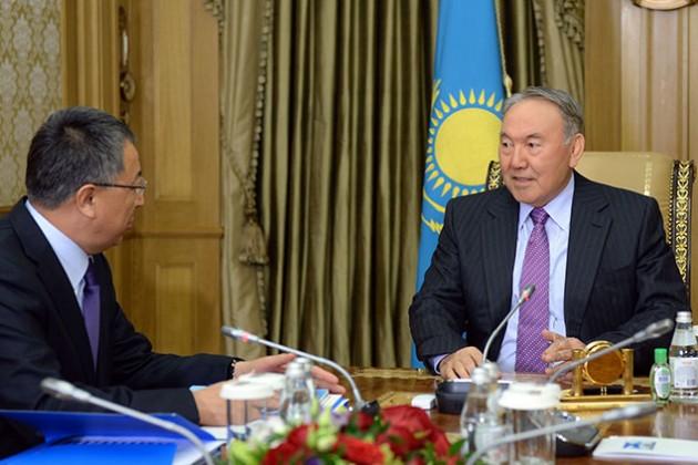 Нурсултан Назарбаев провел встречу с Жансеитом Туймебаевым