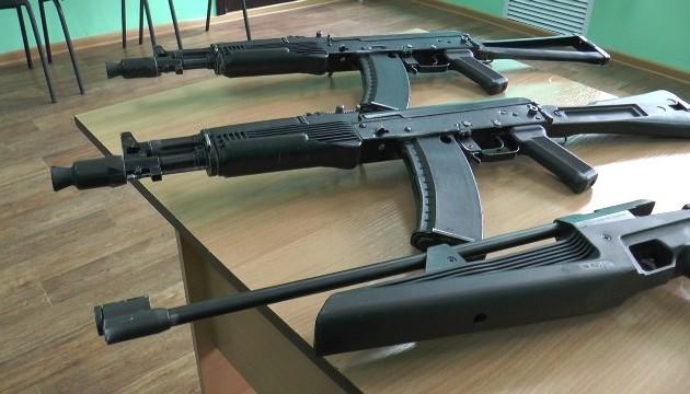 В Алматы из колледжа похищены муляжи оружия